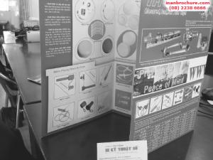 In brochure đen trắng trên chất liệu giấy coucher matt
