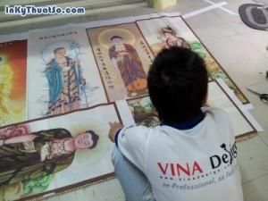 In tranh silk đẹp, in tranh silk chủ đề tôn giáo tại In Kỹ Thuật Số   In tranh thờ với chất liệu silk rũ, mềm, cho không khí gian thờ thêm phần nhẹ nhàng, tôn kính