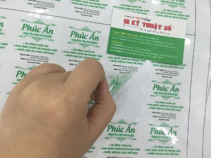 Thành phẩm tem decal trong làm tem nhãn dán chai lọ khách hàng đặt in cùng InAnTem.com