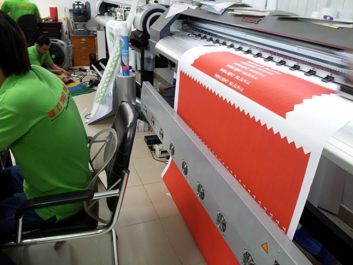 Máy in vải silk khổ lớn đáp ứng các yêu cầu in cờ phướn, cờ đuôi nheo