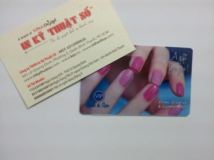 In thẻ nhựa kỹ thuật số - in nhanh, độ chân thực đạt 80% file đặt in, màu không sắc nét bằng in offset