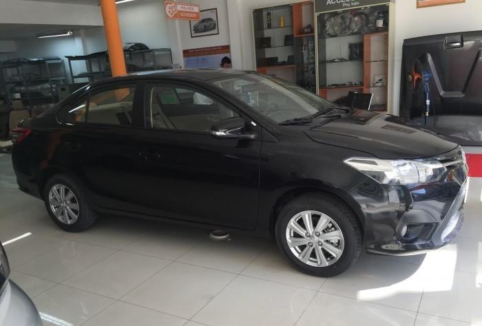 Toyota Vios màu đen