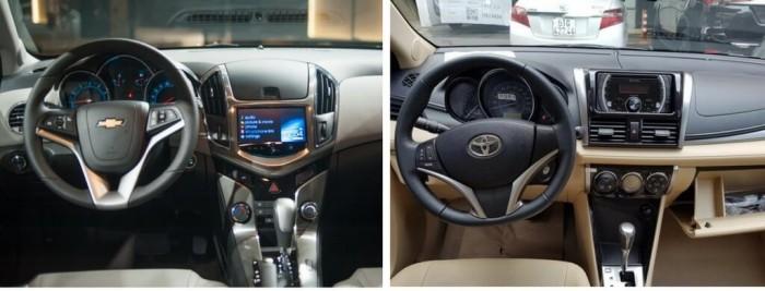 So sánh Toyota Vios và Chevrolet Cruze về nội thất