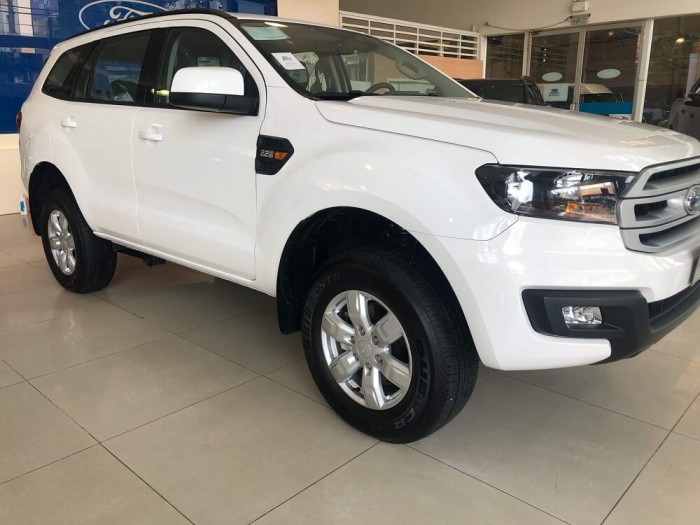 Ford Everest Ambiente 4×4 MT