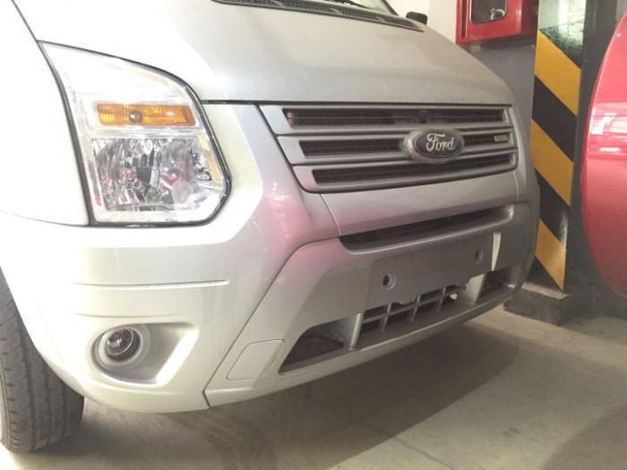 Ngoại thất xe Ford Transit 2018