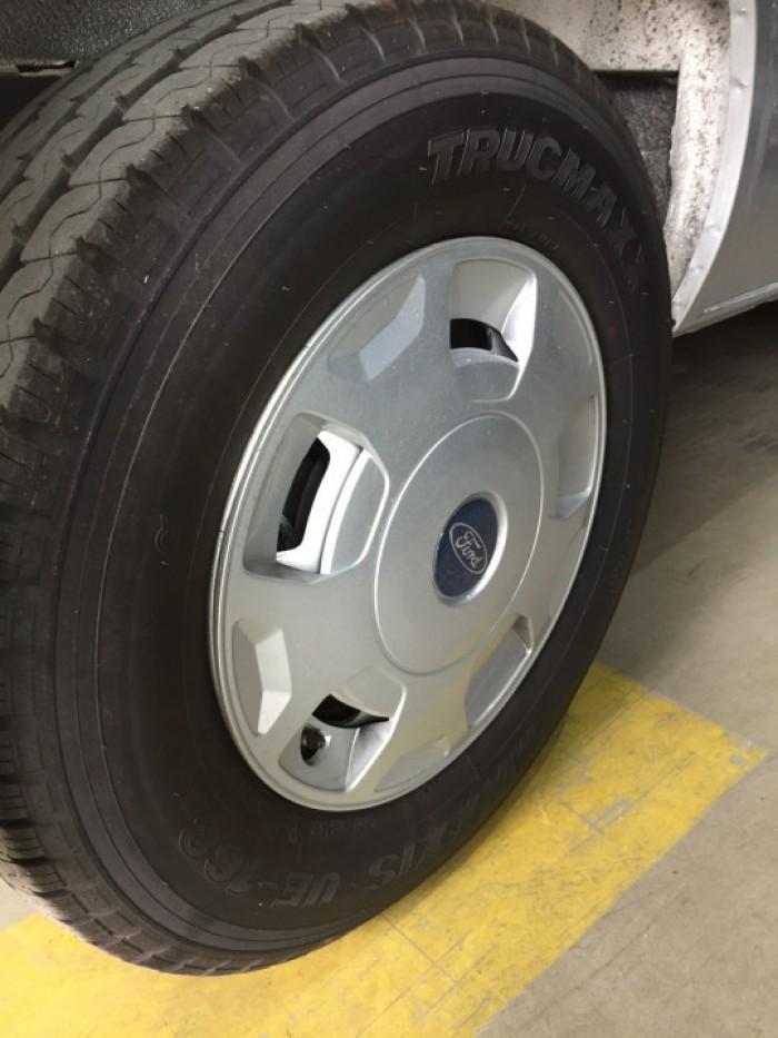 bánh xe Ford Transit 16 chỗ