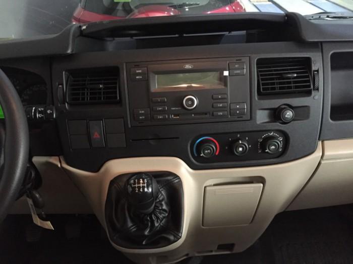nội thất xe Ford Transit