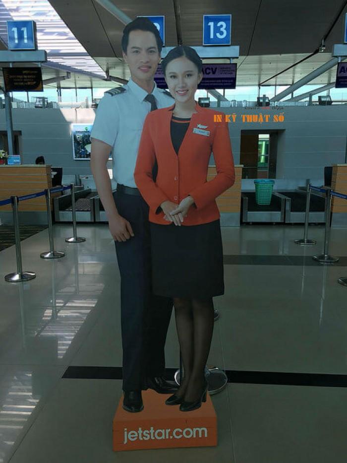 In PP bồi formex mô hình nhân viên tiếp viên hàng không tại sân bay