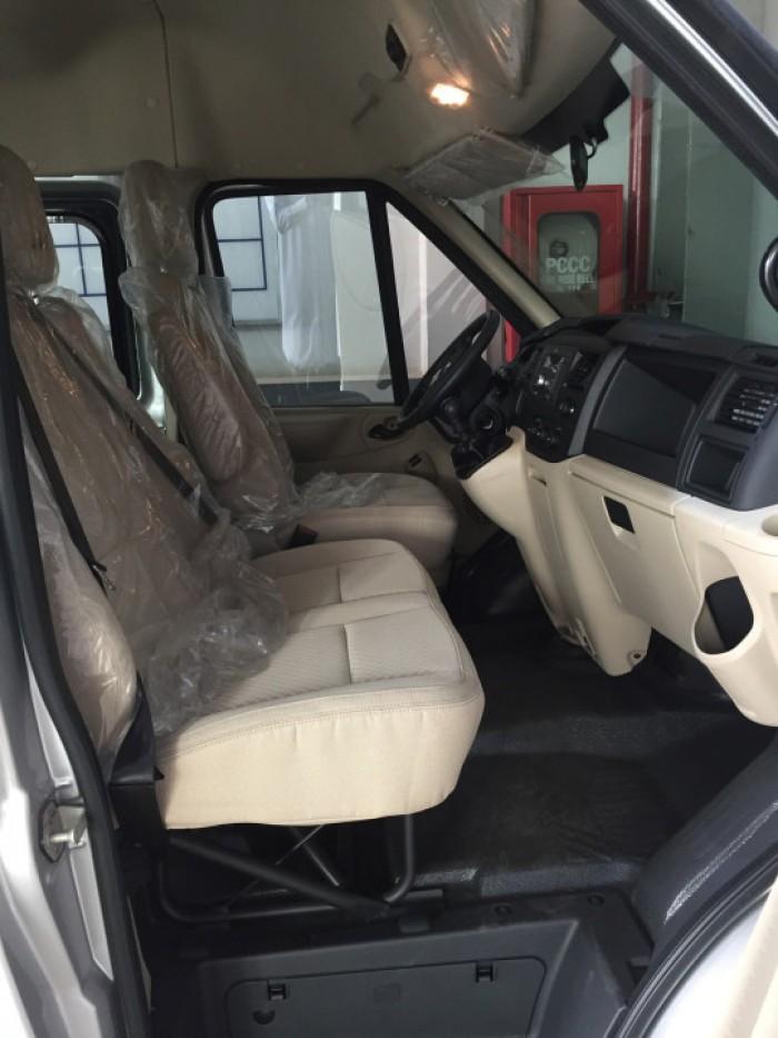Nội thất Ford Transit 16 chỗ đầy vẻ sang trọng và tiện nghi