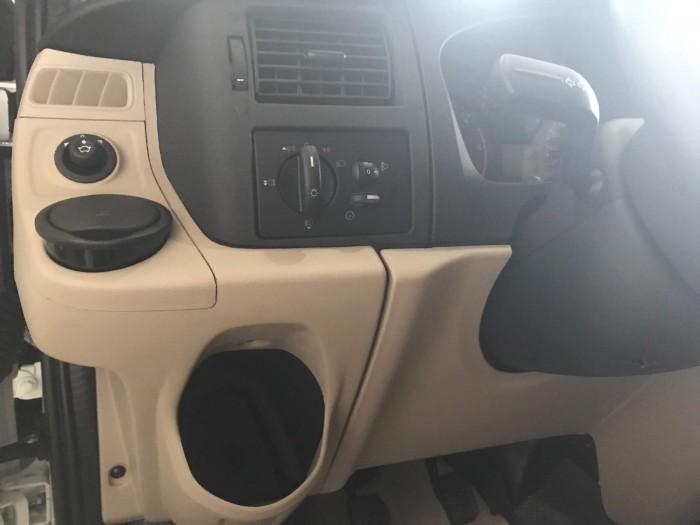 trang bị tiện ích trên Ford Transit 2018