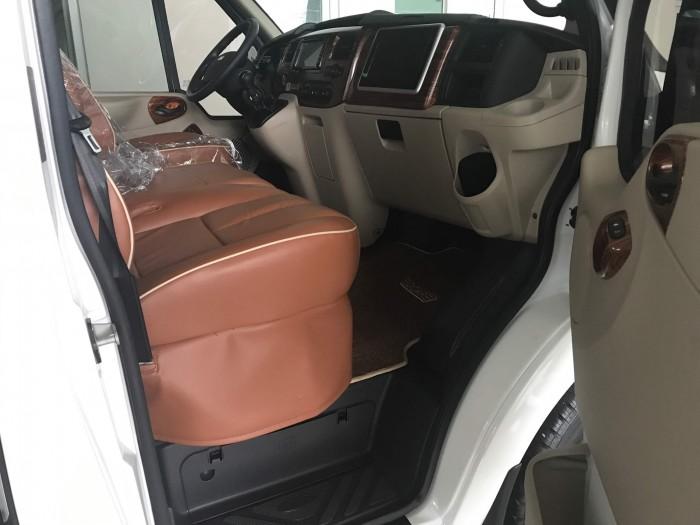 Trang bị an toàn trên Ford Transit 2018 Limousine