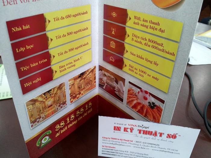 In brochure quảng cáo giá rẻ