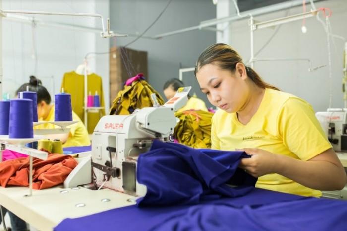 Nhận may gia công quần áo theo yêu cầu