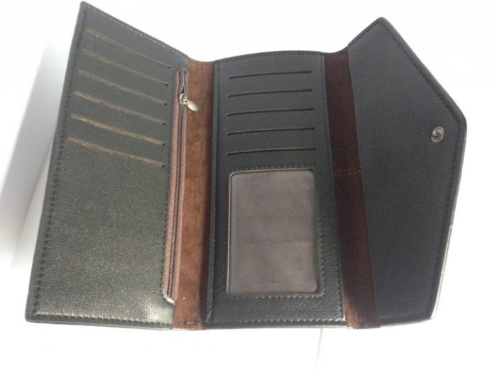 Tư vấn chọn xưởng nhận làm ví da theo yêu cầu