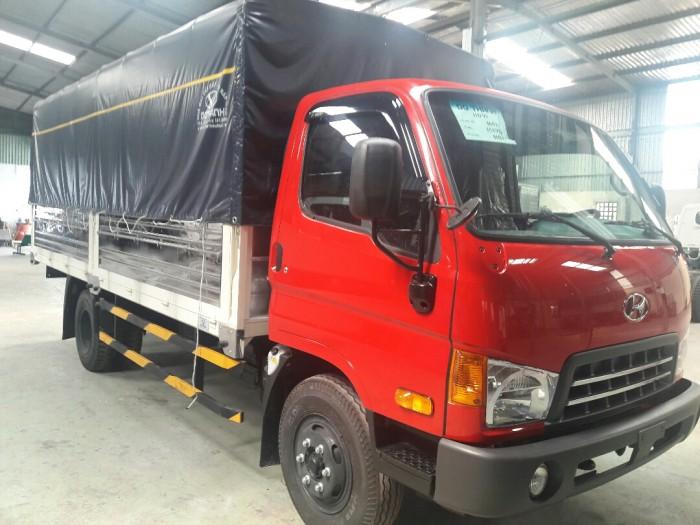 Xe tải HD99 thùng mui bạt là dòng xe nâng tải chất lượng theo tiêu chuẩn Hyundai