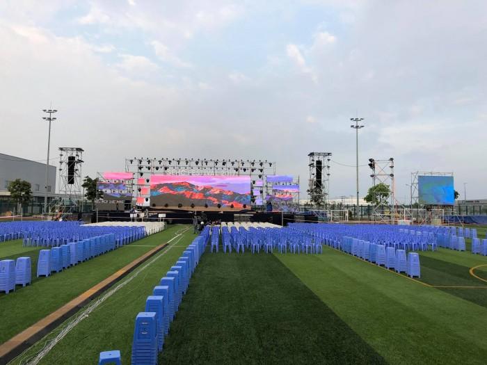 Cho thuê màn hình Led tại HCM - màn hình Led Outdoor lắp đặt sân khấu tại sân vận động