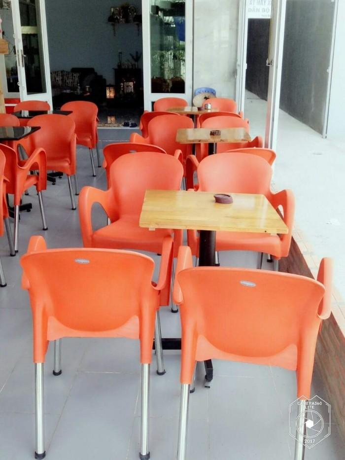 Có nên mua bàn ghế sân vườn thanh lý?