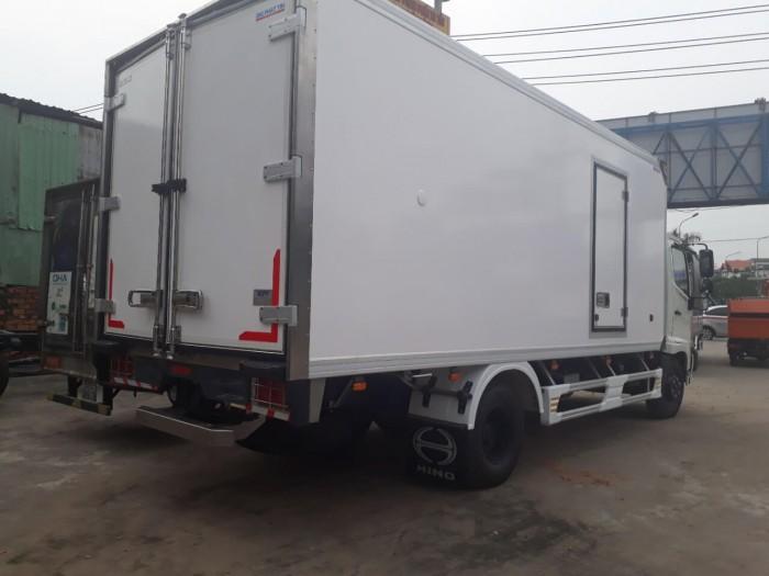 xe tải hino 6t2 thùng đông lạnh