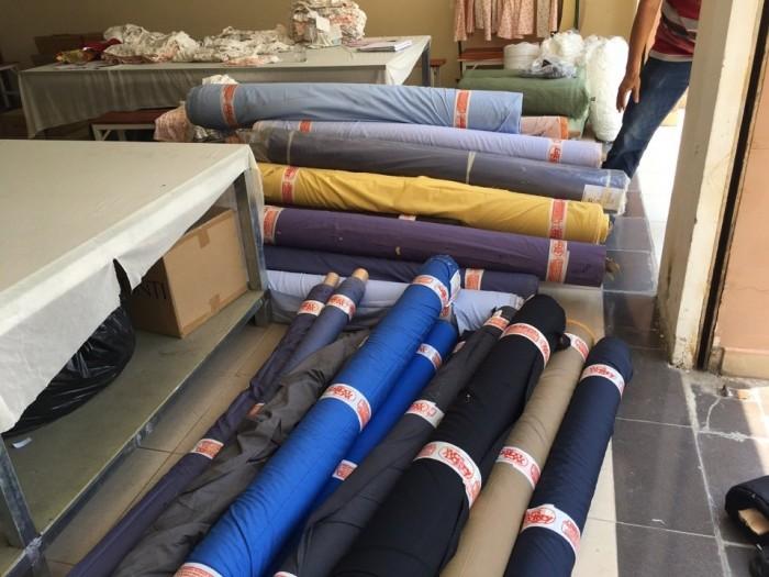 Xưởng may gia công áo sơ mi chuyên nghiệp luôn có sẵn nguồn vãi chất lượng
