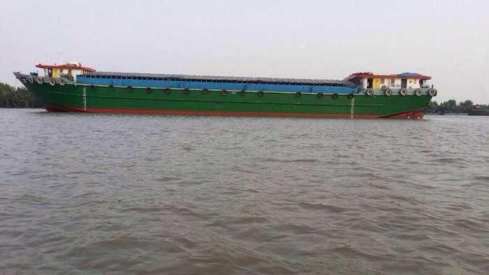 Cho thuê xà lan vận chuyển hàng hóa đường sông