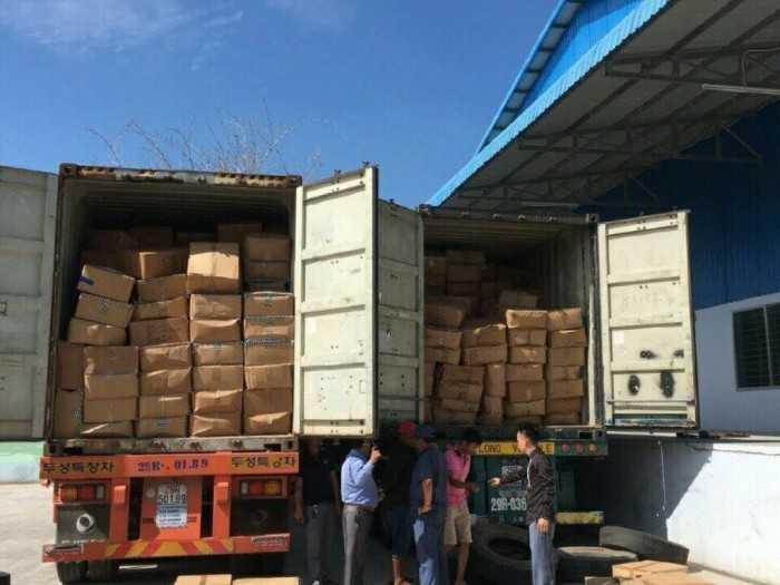 Kiểm tra hàng hóa, vận chuyển hàng hóa từ cảng về kho công ty và ngược lại