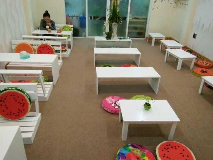 Mua bàn ghế ngồi bệt cho quán cafe, trà sữa - Xem so sánh giá bàn ghế ngồi bệt từ nhiều người bán, xưởng sản xuất uy tín trên MXH MuaBanNhanh