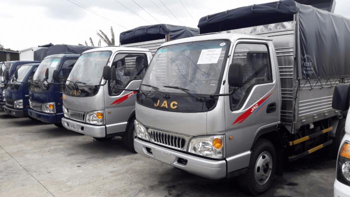 Giá xe tải Jac 2.4 tấn