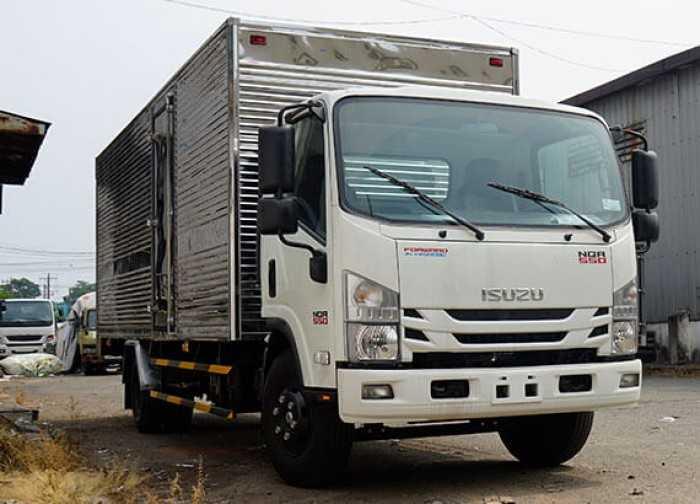 Đánh giá xe tải Isuzu 5.5 tấn - thông số kỹ thuật, vận hành, an toàn, độ bền