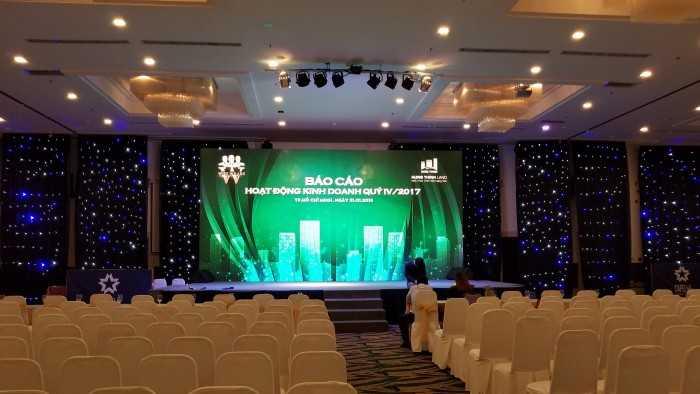 Thi công lắp đặt màn hình Led sân khấu Lễ tổng kết Hưng Thịnh Land tại Capella Nguyễn Kiệm