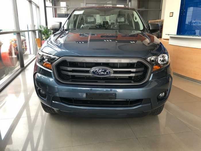 Xe Ford Ranger XLS 4x2 AT