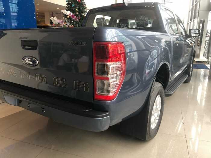 Thùng xe Ford Ranger XLS 4x2 AT