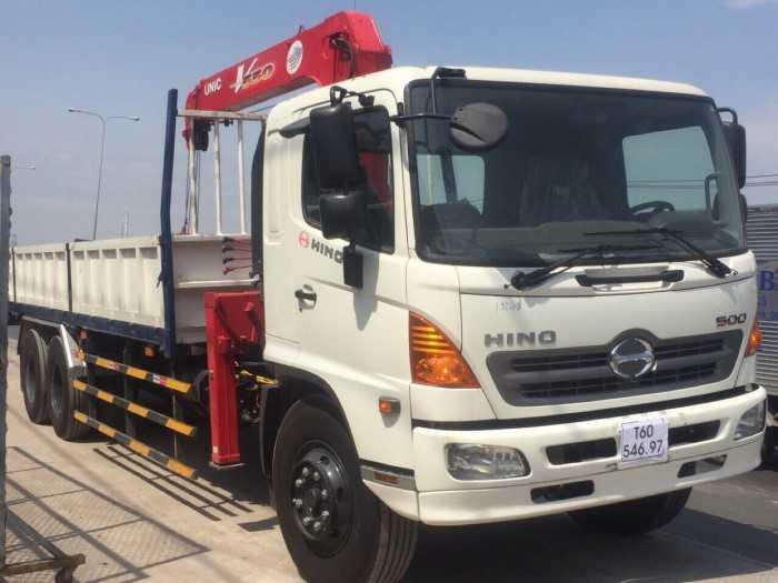 Giá xe tải Hino FL8JTSA 13.8 tấn gắn cẩu Unic 5 tấn