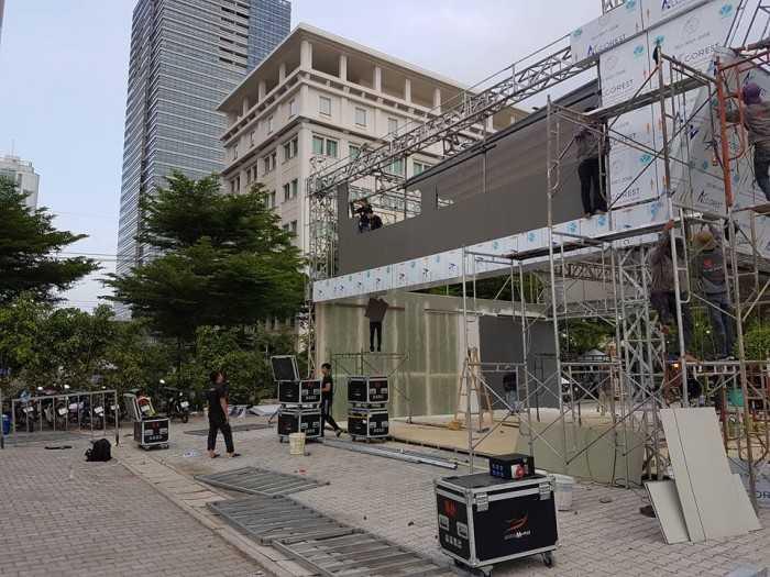 Thi công lắp đặt màn hình Led sân khấu ngoài trời