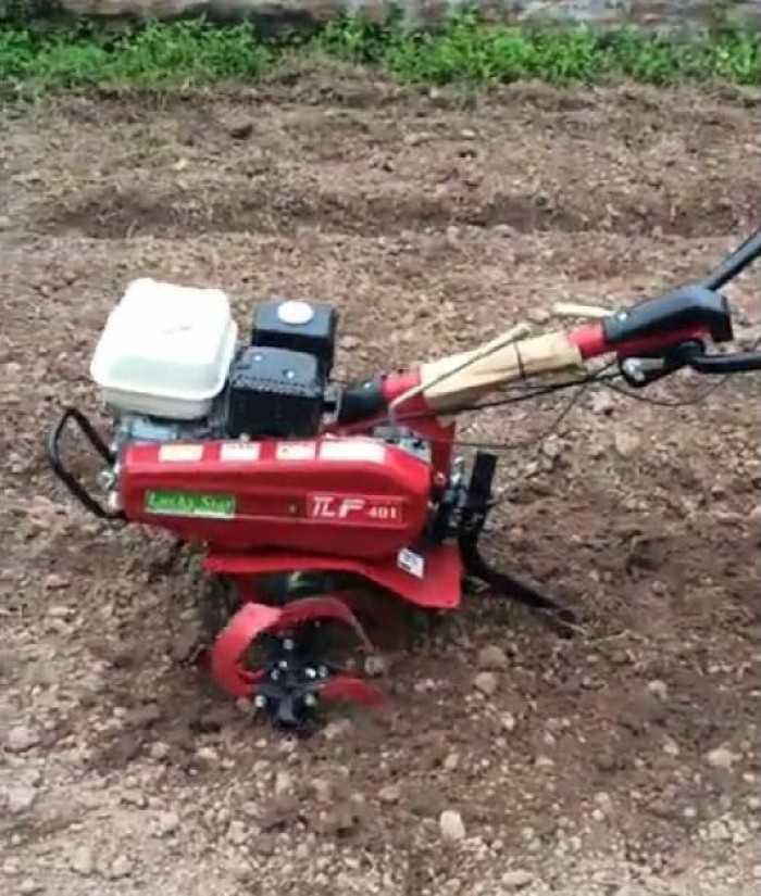 Máy xới đất chạy xăng mang đến động cơ êm ái hơn cho người dùng