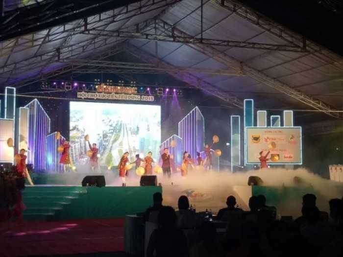 Cho thuê màn hình Led P4 sự kiện hội chợ xúc tiến tiêu dùng tại sân vận động Phú Thọ