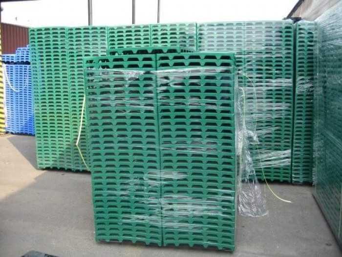 Pallet nhựa cũ giá rẻ - lý do nhiều doanh nghiệp chọn pallet nhựa thanh lý để sử dụng