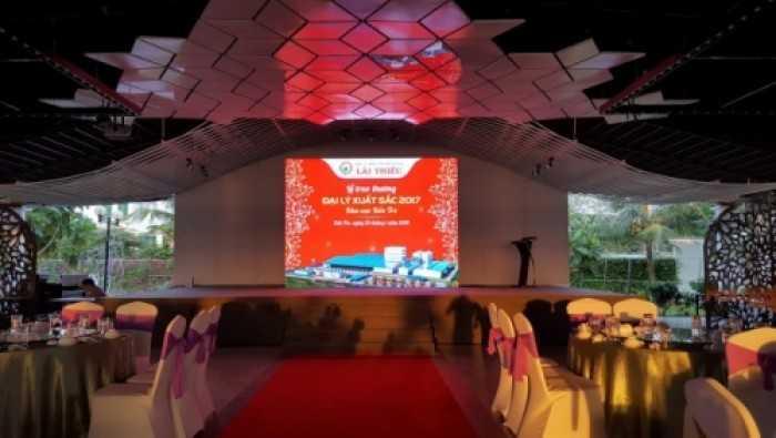 Lắp đặt màn hình Led P3 outdoor chương trình lễ trao giải cuối năm