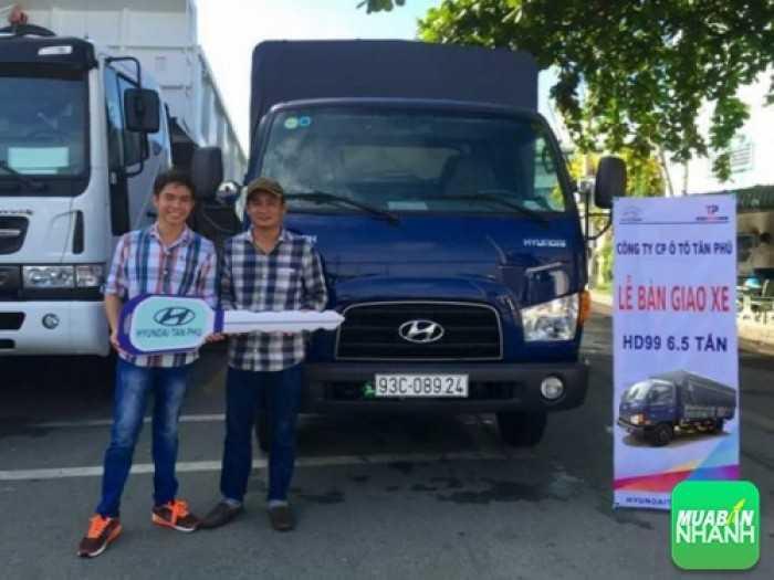 Hyundai Đô Thành làm lễ bàn giao xe tải Hyundai HD99 cho khách hàng