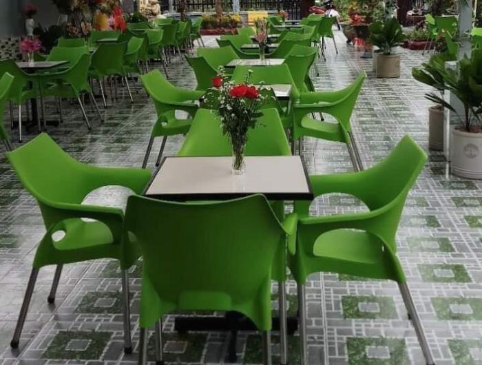 ghế cafe đúc nhựa