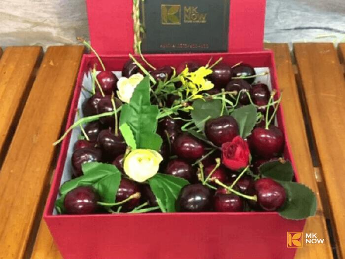 hộp quà cherry valentine