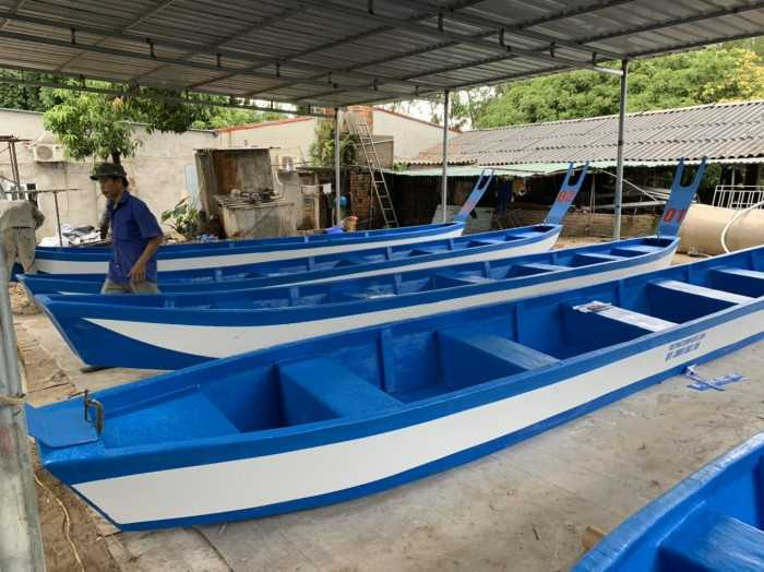 Thuyền Composite đuôi én - MuaBanNhanh