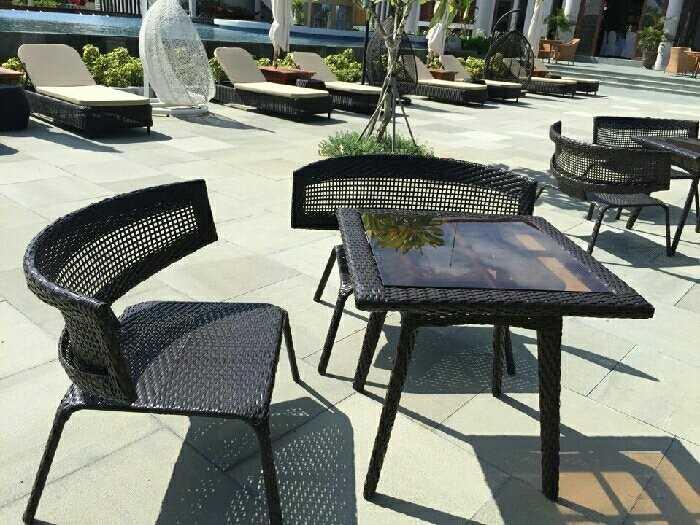 Những mẫu bàn ghế cafe mây nhựa đẹp, giá rẻ cho mọi không gian