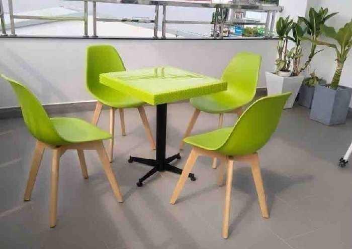 Những mẫu bàn ghế cafe nhựa đẹp giá rẻ được ưa chuộng nhất hiện nay