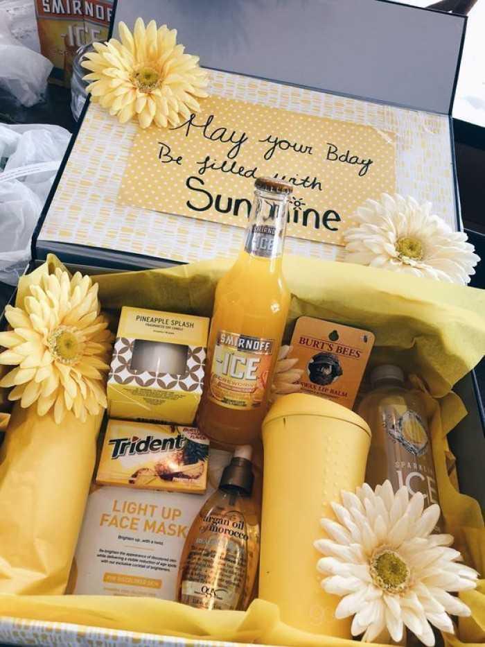Set quà tặng sinh nhật cho nhân viên công ty TPHCM - Đặt hộp quà tặng lên theo yêu cầu hàng tháng