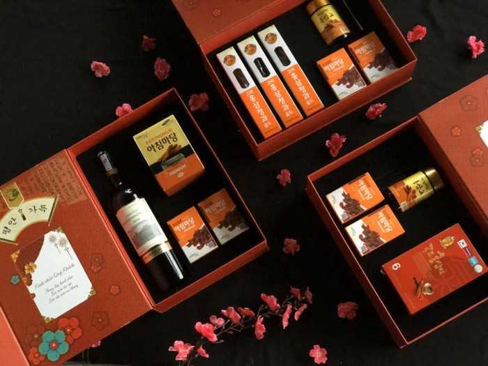 Đặt quà Tết sâm Hàn Quốc lên giỏ quà, hộp quà, hamper quà biếu với đặc sản củ sâm làm quà cho người đẳng cấp