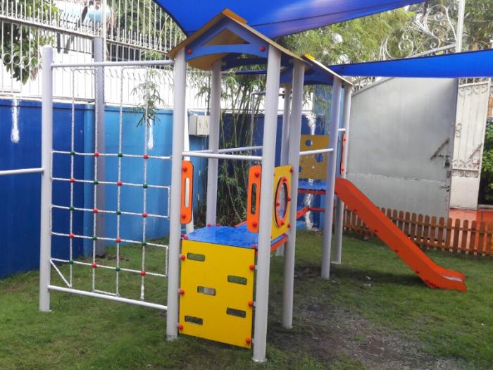Thiết kế & thi công bộ cầu trượt liên hoàn trong nhà, ngoài trời cho trường mầm non, khu vui chơi, công viên