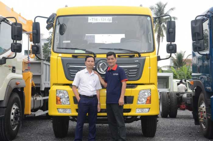 Công ty Ô Tô Phú Mẫn hỗ trợ khách hàng mua xe trả góp