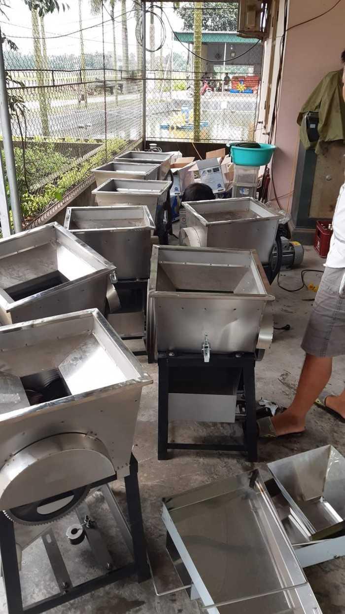Máy sản xuất thức ăn chăn nuôi gia súc, máy xay thức ăn chăn nuôi gia súc bền đẹp