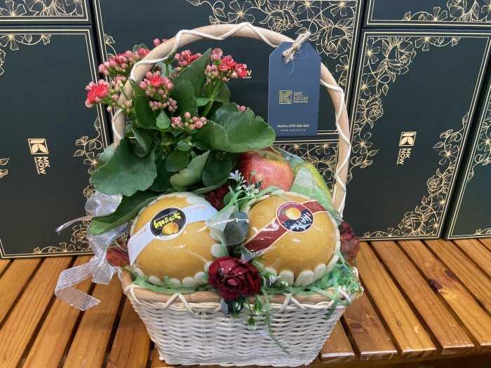 Quà tặng phái đẹp ngày 20/10: quà tặng trái cây mix cây cảnh