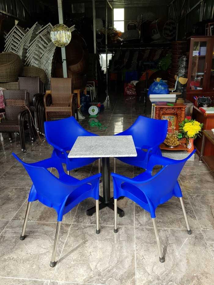 Ghế nhựa đúc chân inox chịu lực tốt, đa dạng mẫu mã và nhiều màu sắc